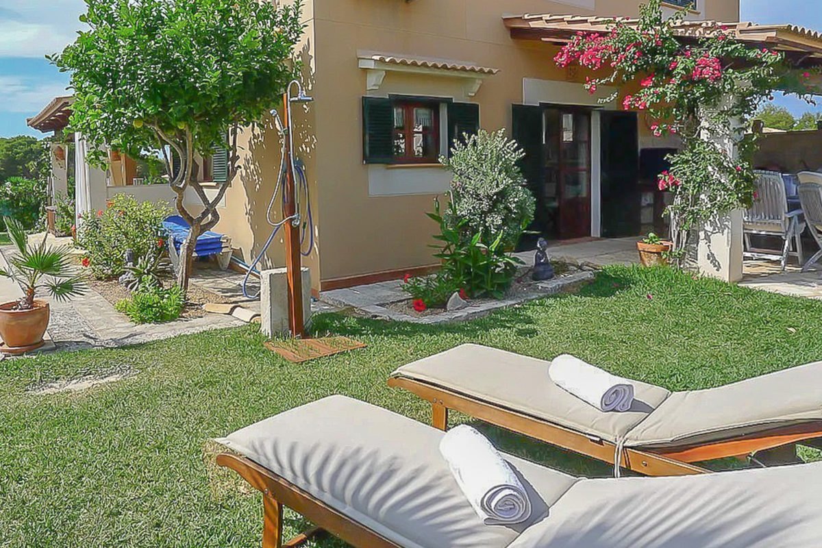 Villa in Can Picafort (2)