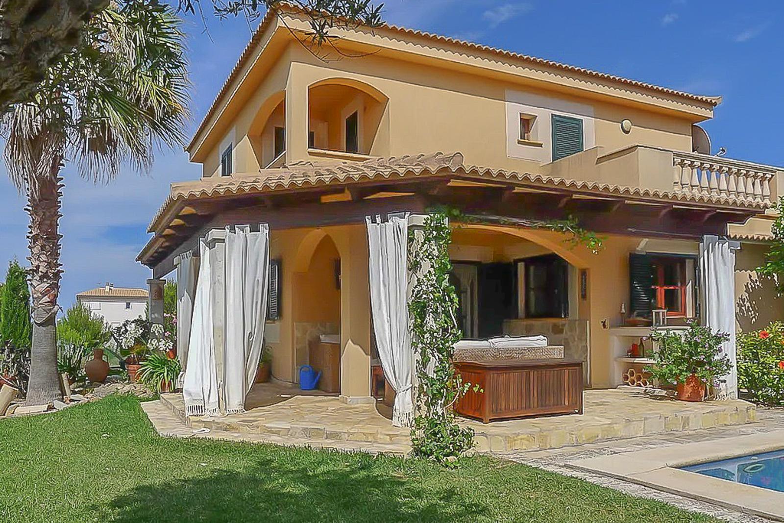 Villa in Can Picafort (8)