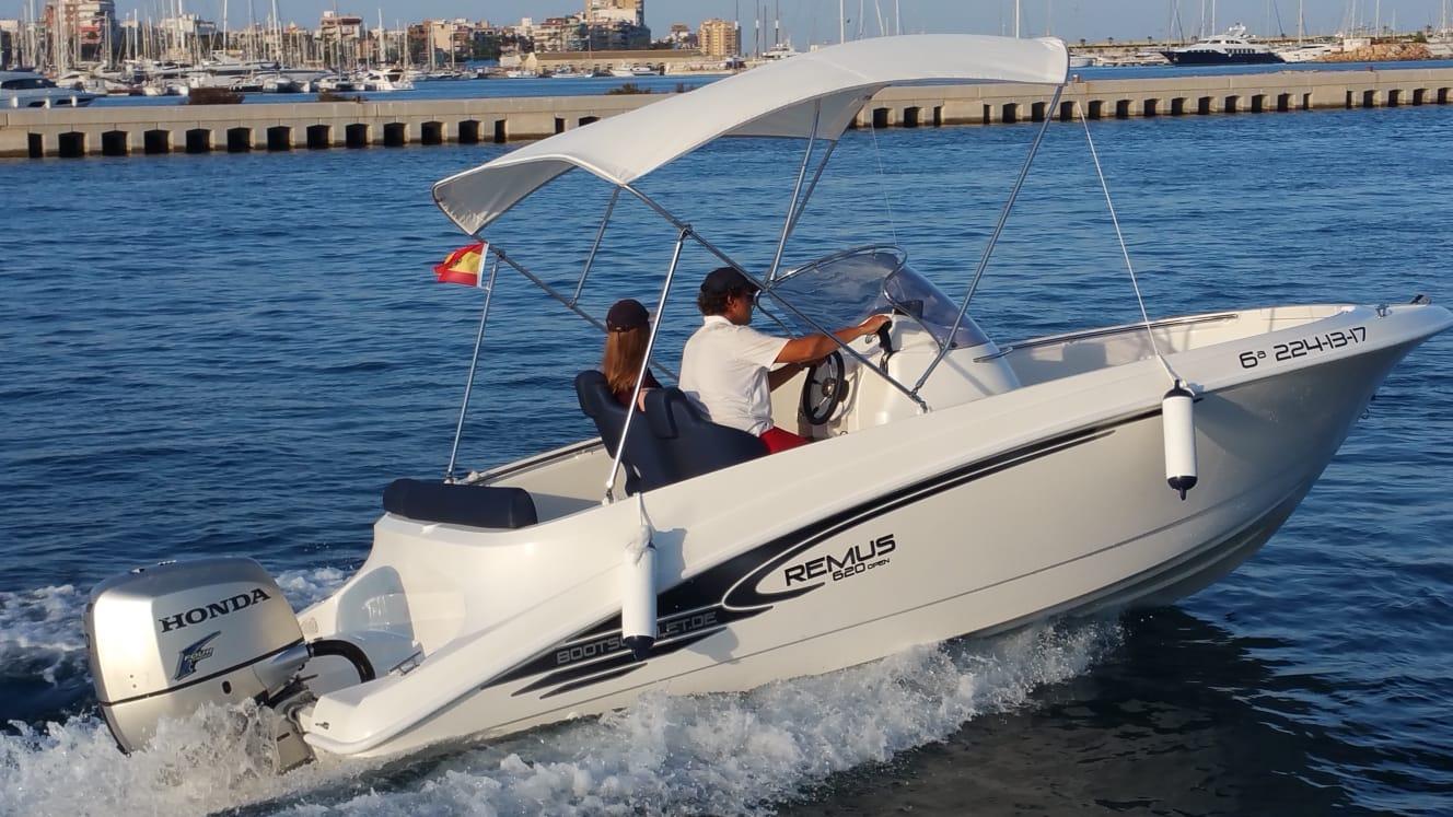 remus-620-open-charterboot 4