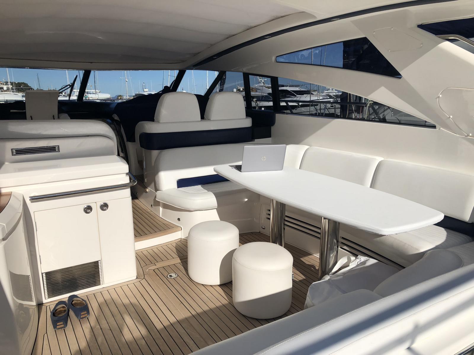charteryacht-princess-v58 6