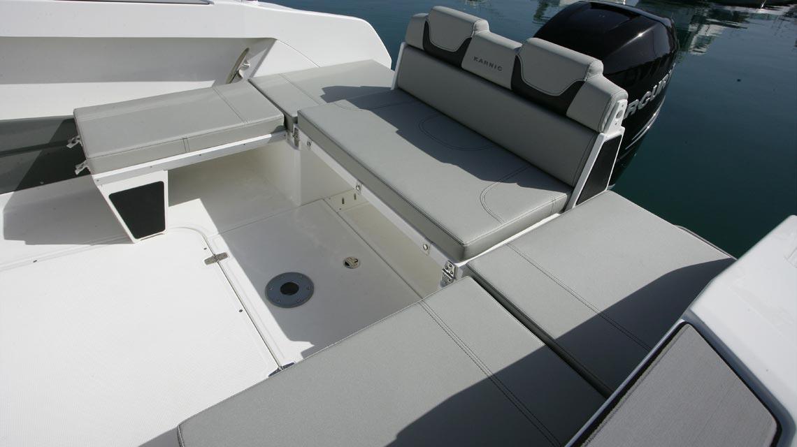 motorboot-karnic-702 11