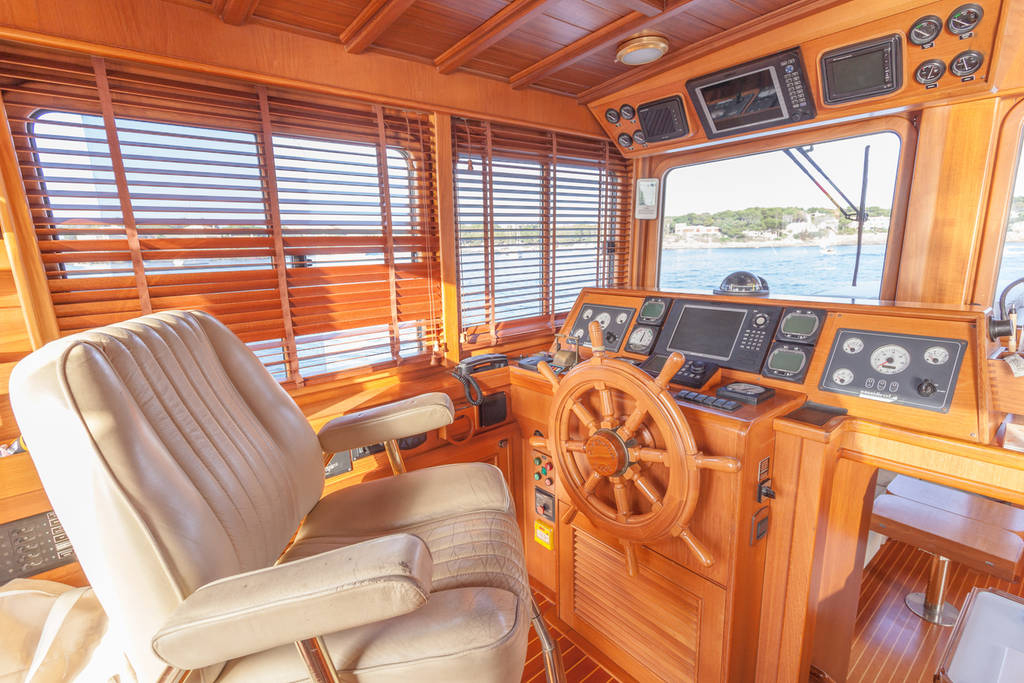 yacht-oliver-yachts-charter 10