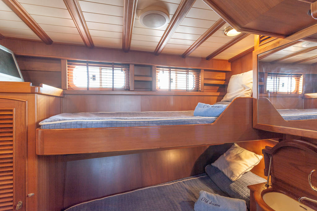 yacht-oliver-yachts-charter 11