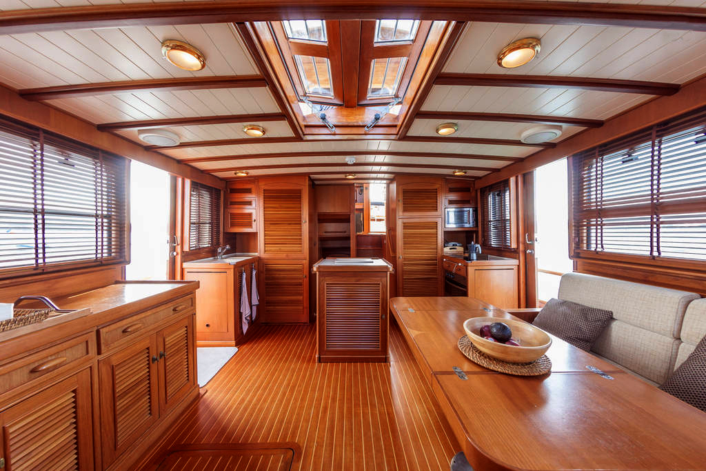 yacht-oliver-yachts-charter 15